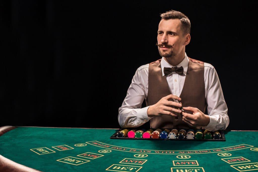 Blackjack, czyli karciane oczko online